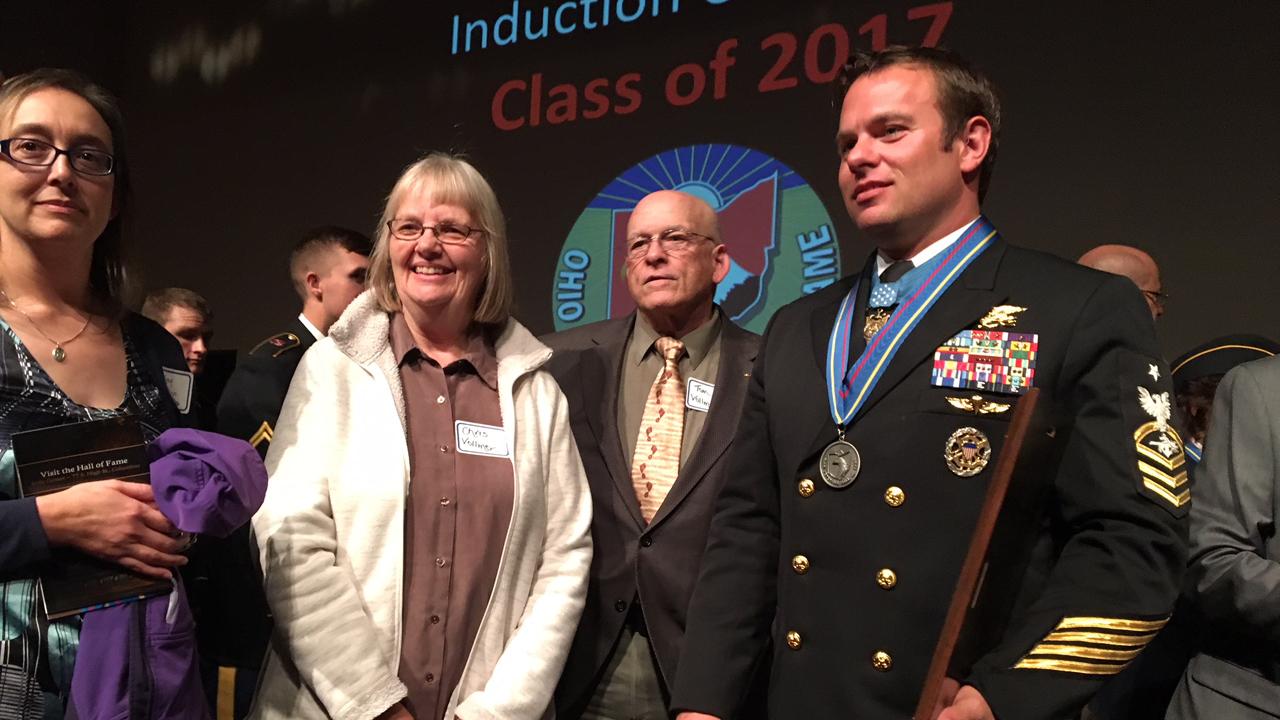 Senior-Chief-Edward-Byers-Jr.-Navy-SEAL-Medal-of-Honor-recipient_364337