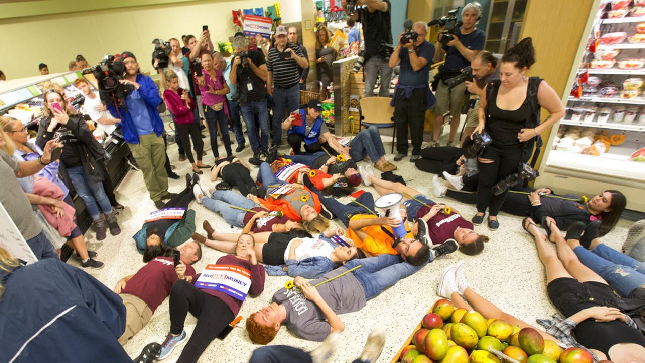 School Shooting Publix Protest_1527368193794