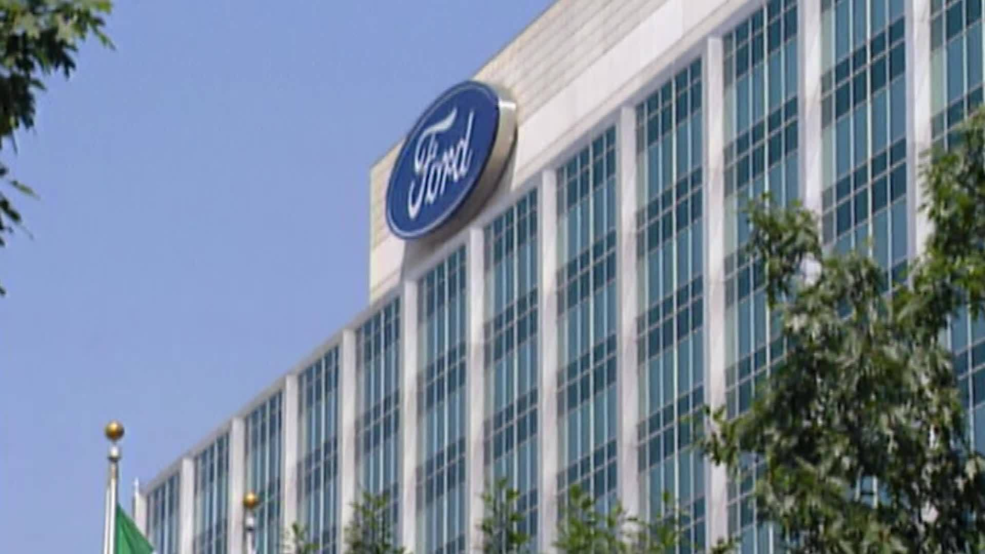 Ford_recalls_1_5_million_pickups_that_ca_4_20190213182145