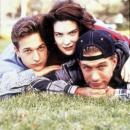 deux_garcons_une_fille_trois_possibilites_threesome_1994_imagesphoto