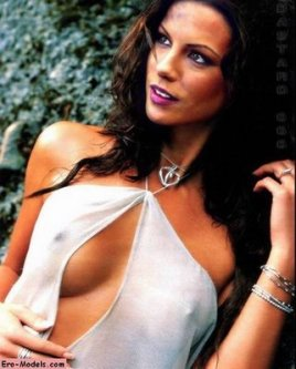 kate_beckinsale_sexy_hot_nipple_shirt_photo_nude