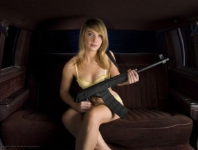 Women_With_Guns_1_4
