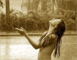Nude_Girl_under_the_Rain