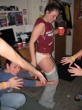 drunk-girls-getting-pantsed-41