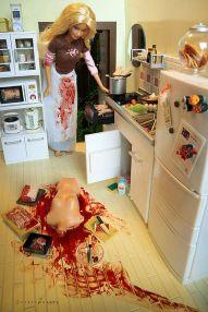 400px-Barbie_-_Serial_Killer_-_04
