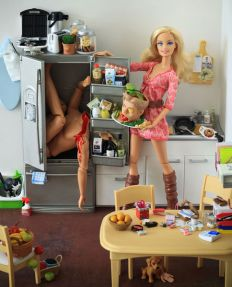 484px-Cannibal_Barbie