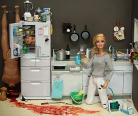 711px-Barbie_-_Serial_Killer_-_01