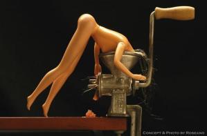 Hoe zou Barbie zelfmoord plegen?