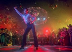 Hell's Club: mashup van alle iconische nachtclubscenes