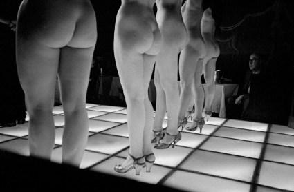 Frank-Horvat-1956-Paris-Le-Sphynx-g