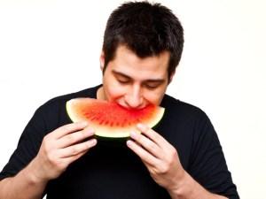 De liefde van de man gaat door de maag, maar ook door de mond?