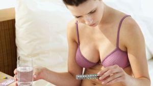 Is het OK om de pil door te slikken en nooit meer te menstrueren?