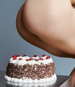 Cake_Holes_Bompass_and_Parr_Its_Nice_That_11-330x382