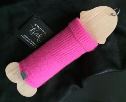 the-cashmere-masturbation-sleeve-is-the-best-male-sex-toy-made-by-a-woman-body-image-1470324679-size_1000
