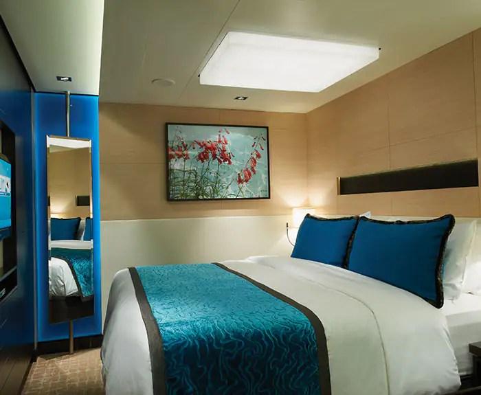 ノルウェージャンクルーズライン ザ・ヘブン 2ベッドファミリースイート 寝室 The Haven's 2-Bedroom Family Villa with Balcony Bedroom on Norwegian Breakaway