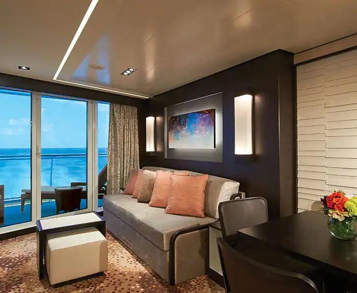 ノルウェージャンクルーズライン ザ・ヘブン 最後尾に面したペントハウス The Haven's Aft-Facing Penthouse on Norwegian Escape