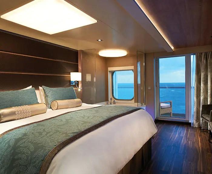 ノルウェージャンクルーズライン ザ・ヘブン デラックススパスイート 寝室 The Haven's Deluxe Spa Suite with Balcony bedroom on Norwegian Escape