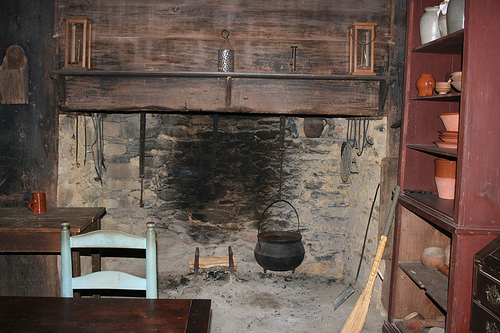 Cooking in the 1800s  from Tar Heel Junior Historian    NCpedia Kitchen at Allen House  Alamance County  N C  Photo by David Walbert for  LEARN NC