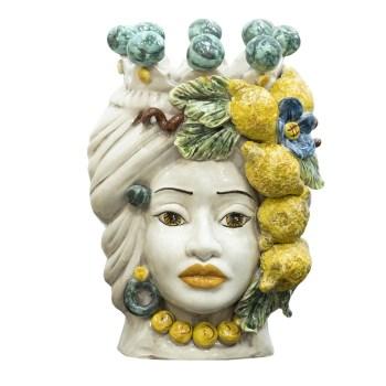 Testa siciliana con limoni