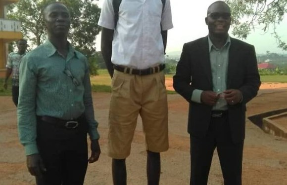 Ghanian 14 years Old Student is the Tallest In Ghana, He Is Just 14 Years Old(Photos)