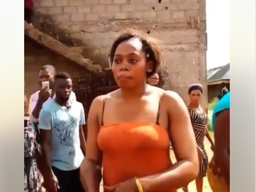Suspected Female Kidnapper Arrested In Onitsha (Photos)