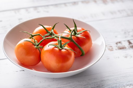 Health Benefits Of Eating Raw Tomatoes Regularly