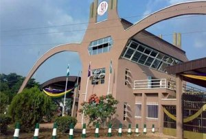 UNIBEN students protest lecturers' strike over non payment of allowances ON APRIL