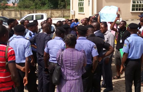Students shut down OSOPADEC office over non-payment of bursary