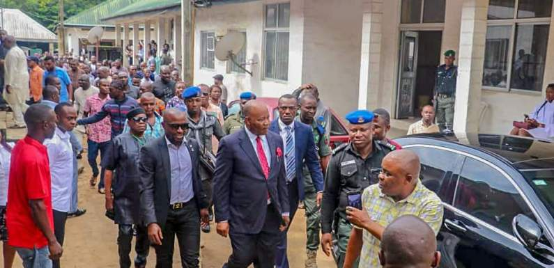 SOBER, AKPABIO SNUBS SUPPORTERS