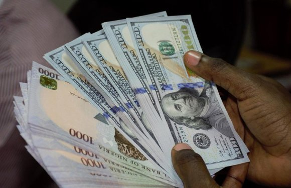 How Naira fared against dollar on Wednesday
