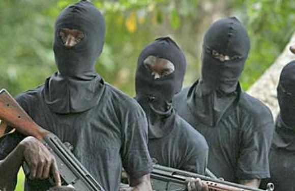 Gunmen kill mobile policeman, steal AK-47 rifle in Delta