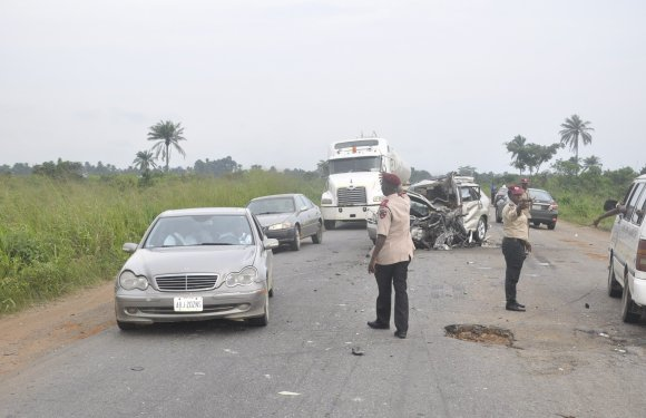 Seven confirmed dead in Port Harcourt-Enugu auto crash