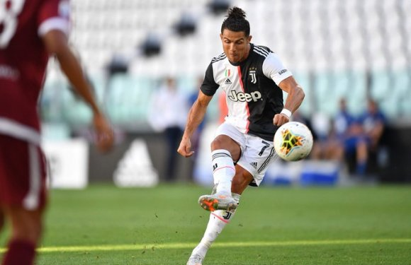 Serie A: Cristiano Ronaldo sets record after Juventus 3-1 win over Genoa