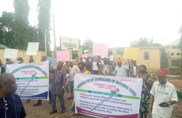 Group shuts down Awka over non-conduct of LG polls