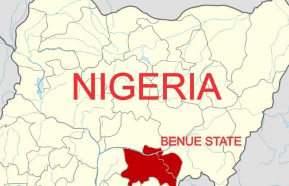 Angry mob set suspected motorcycle thief ablaze in Benue