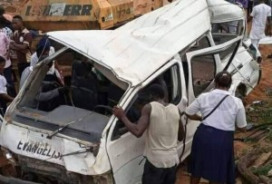 Akwa Ibom: Church members returning from Burial involve in Accident, atleast 2 dead