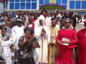 200 couples tie the knot in mass wedding ceremony in Anambra community