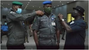 Governor Okezie Ikpeazu of Abia State has decorated some newly promoted police officers attached to his office in Umuahia. 9
