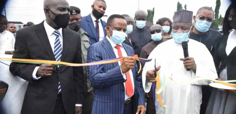 ICT: NDDC empowers 200 youths in Niger Delta (Pictures)