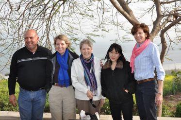 Freiwillige im Ecce Homo mit Sr. Rita und Issa