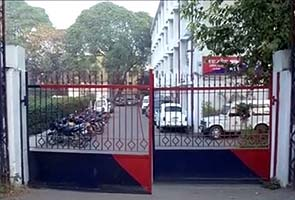 Student gangraped in moving bus in Delhi, male friend beaten up; both thrown off bus
