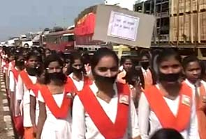 School children hold silent protests over Bhandara rapes
