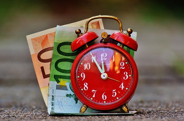 time-is-money-1059989_640
