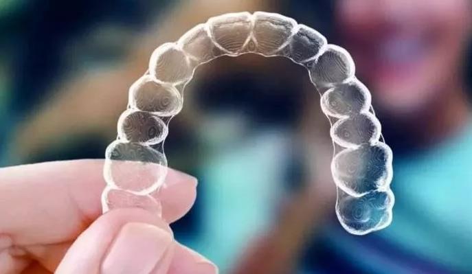 隱形牙齒矯正優點