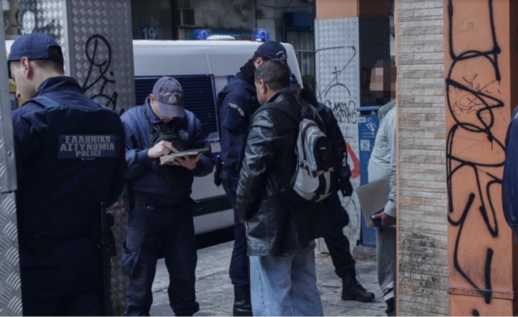 Μεγάλη αστυνομική επιχείρηση της ΕΛΑΣ στη Μενάνδρου – Δεκάδες έλεγχοι και προσαγωγές