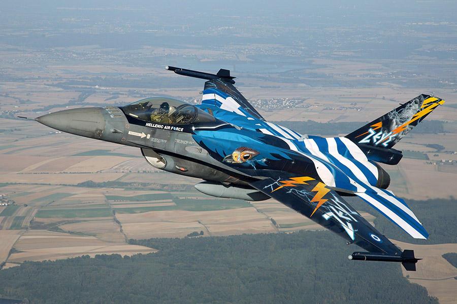 Το μήνυμα του πιλότου του F-16 για την 25η Μαρτίου: «Η Ελλάδα πάντα έβγαινε πιο δυνατή, αυτό θα γίνει και τώρα»