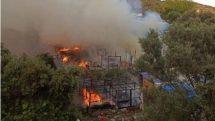 Μεγάλη φωτιά στο κέντρο προσφύγων – μεταναστών – Κάηκαν σκηνές