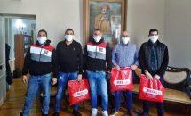Η «Θύρα 7» προσέφερε μάσκες στο Δήμο Ανατολικής Σάμου
