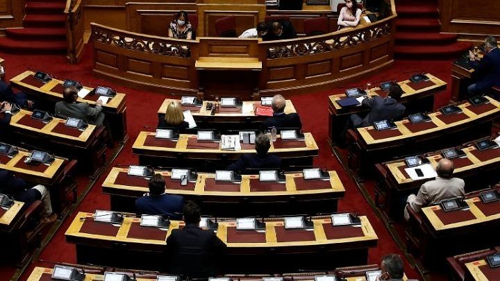 Κόντρα στη Βουλή μεταξύ ΝΔ – ΣΥΡΙΖΑ για Δημήτρη Κουφοντίνα