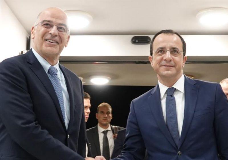 Συνάντηση Δένδια – Χριστοδουλίδη: Διαρκής συντονισμός Ελλάδας-Κύπρου